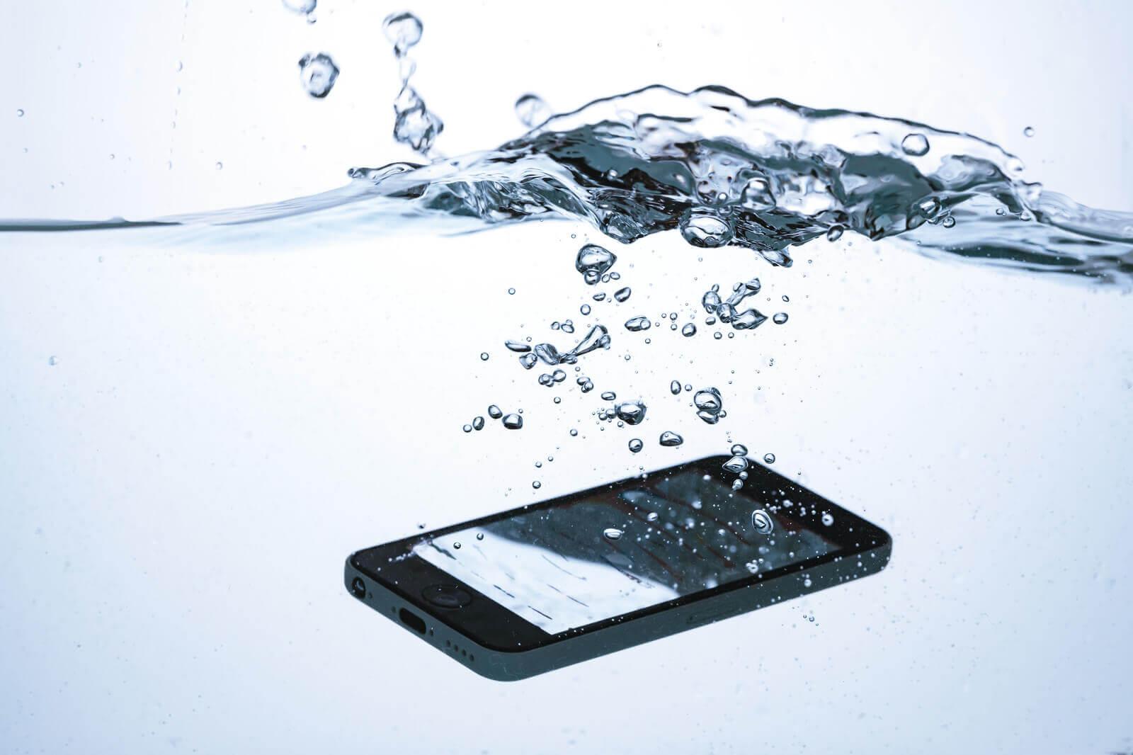 倉敷でiPhone(アイフォン)修理と言えば!QUICKFIX(クイックフィックス)倉敷駅前店 豆知識 水没した時